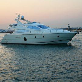 50-70 ft – Luxury Yacht Charters Greece